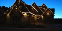 clear-trad-lights-on-rooflines