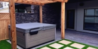 hottub-pergola-artificial-turf-patio