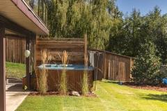 Linear-Style-Privacy-Screen-Ornamental-Grass