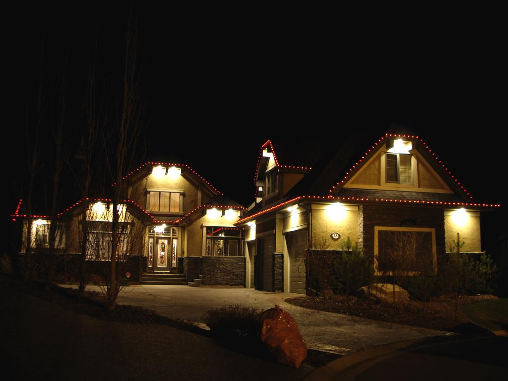 C9 LED Red lights on rooflines of house